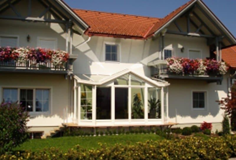 Haus-mit-Wintergarten