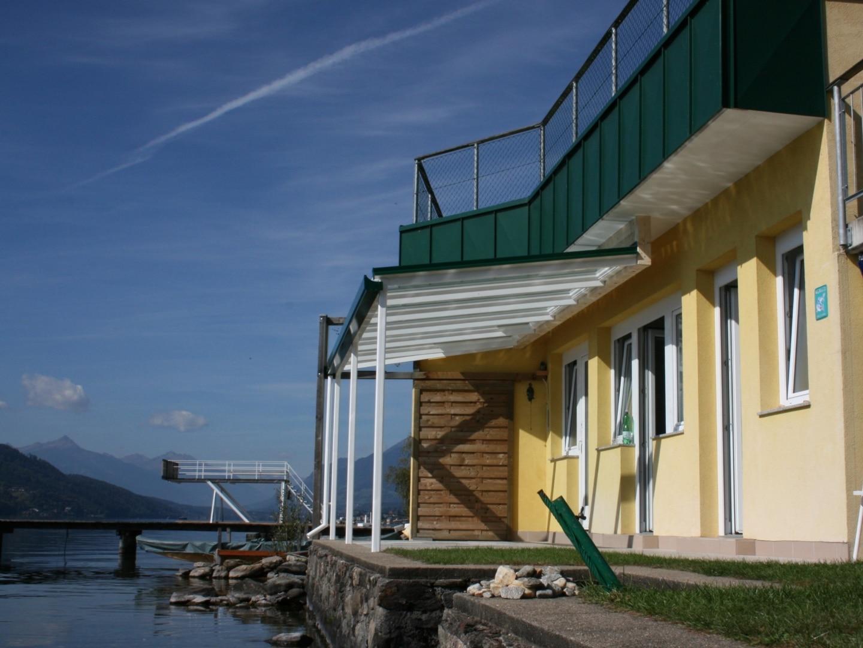 Terassenüberdachung-Haus-am-See